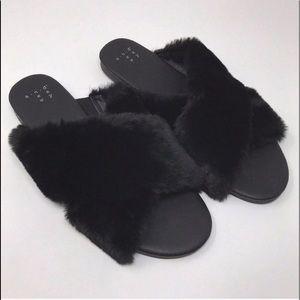 A NEW DAY Faux Fur Black Crossband Slides Size 7
